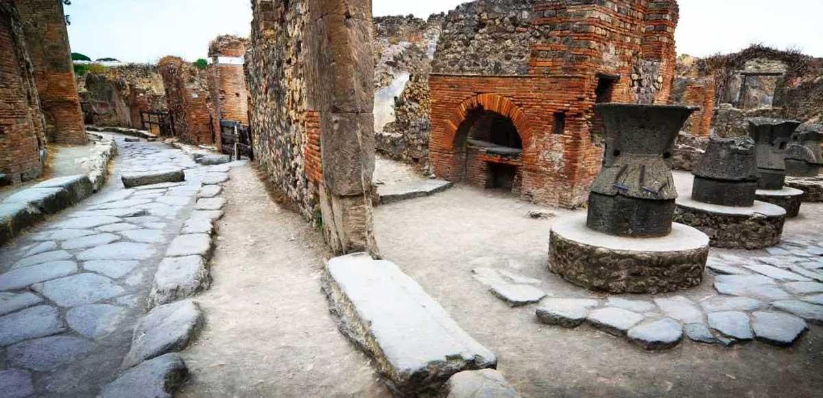 forno-pompei-pagnotta-millenaria